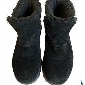 Skechers black suede Memory Fur boots sz 8.5
